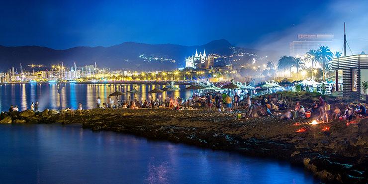 Fiestas auf Mallorca – Könige, Teufel, Riesen, Büßer und die Magie des Feuers