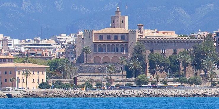 """Die sieben Wahrzeichen von Palma de Mallorca (2/7): """"Der Almudaina Palast"""""""