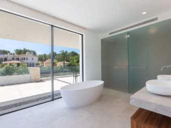 9443-moderne-villa-novasantaponsa-l.jpg