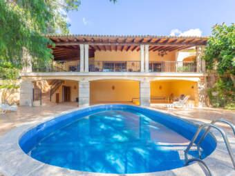 Mediterranes Anwesen mit Gäste-Casita in exzellenter Lage direkt am Golfplatz
