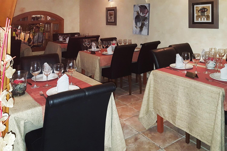 G1136-restaurant-f.jpg