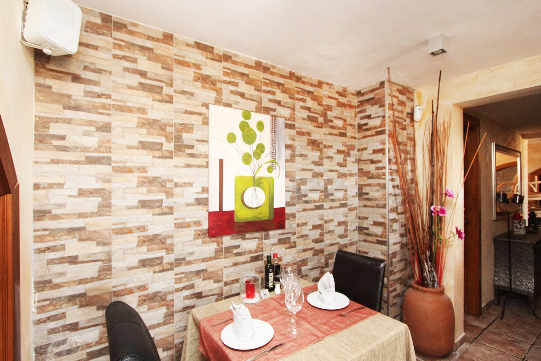 G1136-restaurant-g.jpg