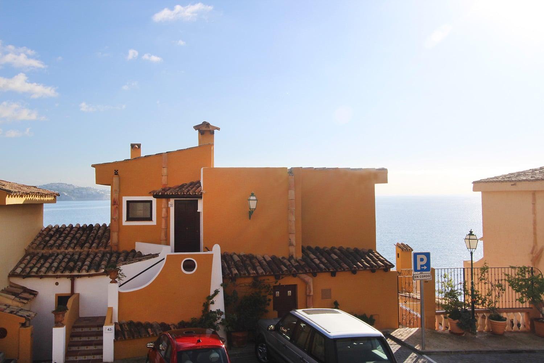 G1136-restaurant-i.jpg