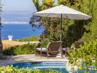 Villa mit schönem Meerblick und direktem Meerzugang