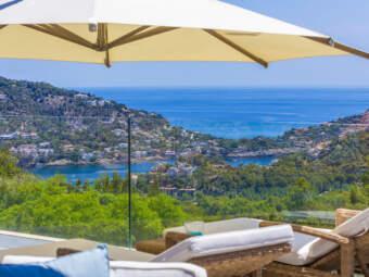 Mont Port: Neubau-Luxusvilla der Extraklasse mit Meer- und Panoramablick