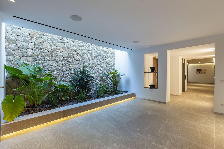 8392-luxus-villa-portals-mallorca-p.jpg