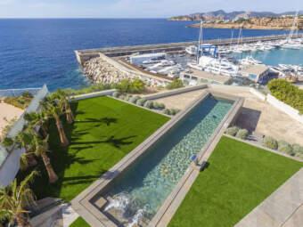 Luxusvilla direkt über dem Hafen mit fantastischer Aussicht