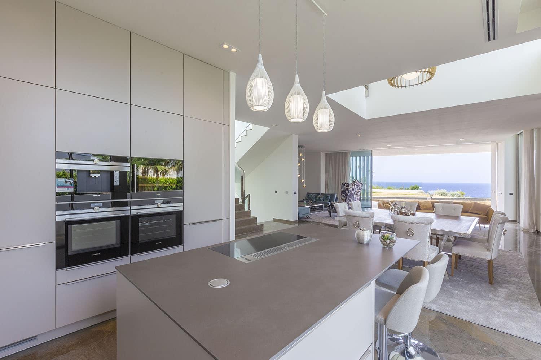 8432-moderne-meerblick-villa-port-adriano-i.jpg