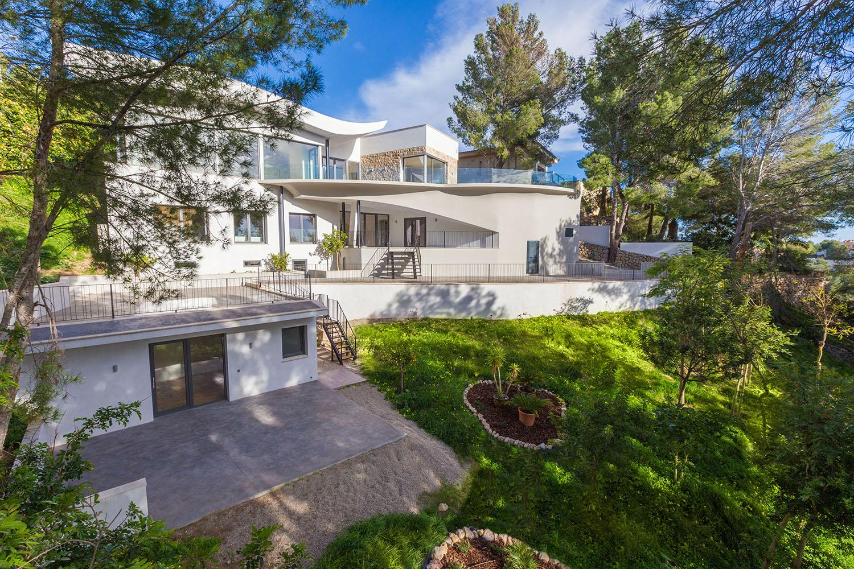 9073-moderne-villa-cas-catala-a.jpg