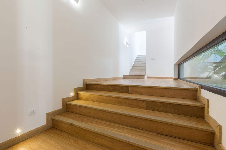 9073-moderne-villa-cas-catala-j.jpg